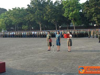 Citizen6, Cilangkap: Panglima TNI Laksamana TNI Agus Suhartono, memberikan amanat yang dibacakan oleh Kapuskes TNI Marsda TNI Dr. Maryunani, selaku Irup di Lapangan Upacara Mabes TNI, Cilangkap, Jakarta. (Pengirim: Badarudin Bakri)