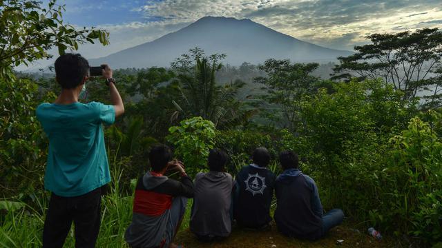 5 Langkah Penyelamatan Bila Gunung Agung Meletus Regional Liputan6 Com