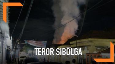Istri terduga teroris Husain alias Abu Hamzah diduga meledakkan diri di rumahnya di Sibolga, Sumatera Utara.