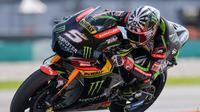 Pebalap Yamaha Tech 3, Johann Zarco, yakin bisa bersaing meraih kemenangan pada seri pembuka MotoGP 2018 di Sirkuit Losail, Qatar. (AFP/Mohd Rasfan)