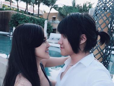 FOTO: Kemesraan Kevin Aprilio dan Vicy Melanie yang Akan Menikah Tahun Ini