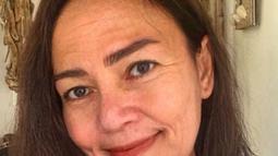 Kali ini salah satu selebgram sekaligus beautyvlogger, Rachel Goddard juga mengikuti challenge yang lagi viral ini. Warganet banyak memberikan komentar bahwa Rachel tetap terlihat cantik. (Liputan6.com/IG/rachgoddard)