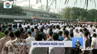 Menhub Budi Karya menggelar apel persiapan mudik di Stasiun Gambir, Jakarta Pusat.