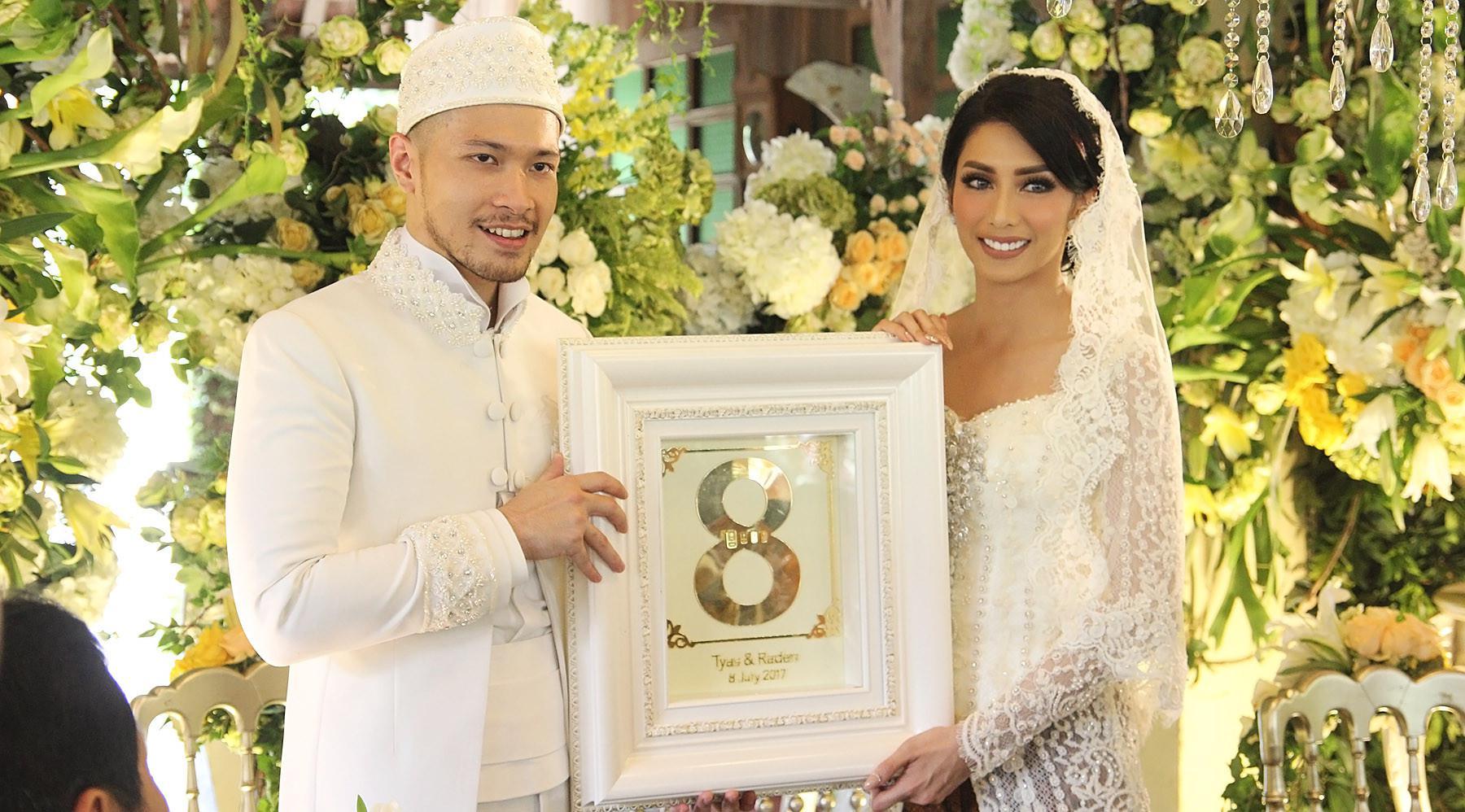Tyas Mirasih dan Raiden Soedjono resmi menikah. (Bambang E Ros/Bintang.com)