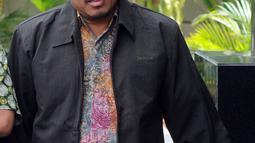 Kepala Divisi Batubara PLN Harlen tiba di Gedung KPK, Jakarta, Jumat (14/9). Harlen diperiksa sebagai saksi untuk tersangka Eni Maulani Saragih. (Merdeka.com/Dwi Narwoko)
