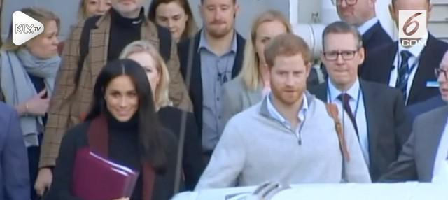 Pangeran Harry dan Meghan Markle tiba di Autralia dalam rangka lawatan selama 16 hari.