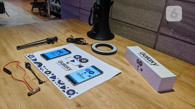 Perangkat penunjang untuk merekam video menggunakan smartphone, khususnya Galaxy Note 10 dan Galaxy S10. (Liputan6.com/ Yuslianson)
