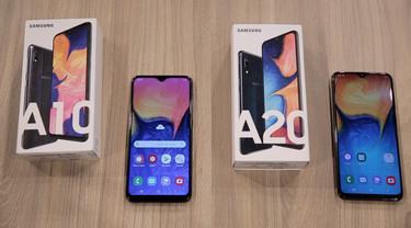 Belum lama ini Samsung merilis smartphone pengganti lini Galaxy J yakni Galaxy A terbaru mereka. Dua di antaranya adalah Galaxy A10 dan Galaxy A20, berikut adalah penampakan dalam boksnya.