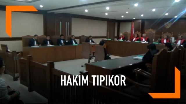 Majelis Hakim Pengadilan Tipikor Jakarta menjatukan vonis 6 tahun penjara terhadap hakim ad hoc Tipikor PN Medan Merry Purba. Merry dinilai terbukti menerima suap sebesar US$150 ribu dari pengusaha terkait pengurusan perkara korupsi di PN Medan.