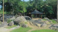 Penampakan objek wisata baru Istana Batu Korsih di Kabupaten Majalengka. Foto (Liputan6.com / Panji Prayitno)