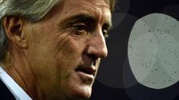 1. Roberto Mancini, Football Italia melaporkan jika mantan pelatih Inter Milan ini tertarik menggantikan posisi manajer Arsenal, Arsene Wenger. Bahkan mantan striker Sampdoria ini sudah menolak tawaran melatih klub China. (AFP/Filippo Monteforte)