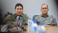 Ketua Umum Apindo, Hariyadi Sukamdani (kiri) dan Ketua Umum Kadin Indonesia Rosan P Roeslani saat menggelar konferensi pers terkait rencana Aksi 2 Desember di Jakarta, Selasa (29/11). (Liputan6.com/Angga Yuniar)