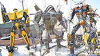 Li Hung, pemuda 21 tahun dari Cina, berhasil membangun 40 robot Autobot dari sampah logam dalam waktu empat bulan. (Foto: Odditycentral)