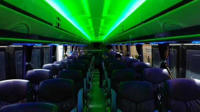 Bangku penumpang di Adi Putro Jetbus 3 + Ultra High Deck (Liputan6.com/Yurike)#source%3Dgooglier%2Ecom#https%3A%2F%2Fgooglier%2Ecom%2Fpage%2F%2F10000