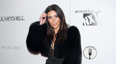 Kim Kadarshian dan Pantat Sexy nya Benarkah Hanya Trik Photoshop