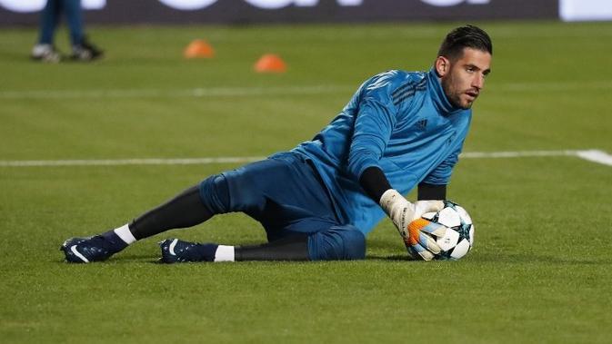 Kiper Kiko Casilla baru merasakan 16 kali pertandingan bersama Real Madrid di berbagai ajang pada musim ini. (AFP/Jack Guez)