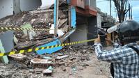 Lokasi meninggalnya Aep, pemulung yang tewas tertimpa bangunan dalam proses pengosongan bangunan proyek reaktivasi kereta api Garut, Jawa Barat. (Liputan6.com/Jayadi Supriadin)