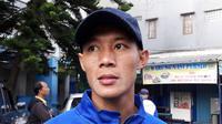 Bek Persib, Henhen Herdiana. (Bola.com/Erwin Snaz)