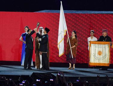 Anies Baswedan Serah Terima Obor Asian Games ke Wali Kota Hangzhou