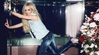 Lindsay Lohan dianggap sebagai salah satu artis yang menyedihkan setelah popularitasnya menurun drastis [foto: hawtcelebs]