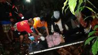 Bus Lemhanas Terjun ke Jurang di Sukabumi, Satu Penumpang Meninggal. (Liputan6.com/Mulvi Mohammad)