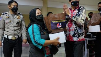 800 Pemulung dan Gelandangan di Surabaya Raya Dapat Sembako Usai Vaksinasi