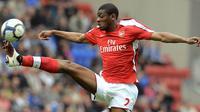 1. Abou Diaby (Arsenal), memiliki tipikal permainan dan fisik seperti Patrick Viera. Masa depannya hancur saat dirinya harus cedera parah dan kini pemain asal Prancis itu bermain di Marseille. (AFP/Andrew Yates)
