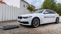 BMW mulai uji coba sistem wireless charging untuk mobil listriknya. (Carbuzz)