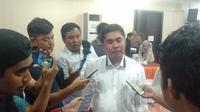 Direktur Reskrimsus Polda Sulsel, Kombes Pol Augustinus Berlianto mengatakan pihaknya resmi telah menyelidiki kasus dugaan mark up paket sembako untuk korban covid19 di Makassar (Liputan6.com/ Eka Hakim)