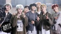 Bang Shi Hyuk percaya jika interaksi dan komunikasi BTS secara terbuka dengan para ARMY sangat berpengaruh terhadap kesuksesannya. (Foto: Soompi.com)