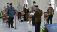 Wapres Ma'ruf Amin melantik Pengurus Pusat Masyarakat Ekonomi Syariah (MES) Periode 2021-2023 pada Senin (22/3/2021). Wapres Ma'ruf Amin optimis pengurus MES periode baru ini bisa mengantarkan kejayaan ekonomi syariah di Indonesia.
