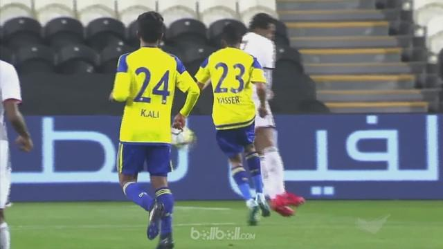 Berita video gol bunuh diri fantastis yang dicetak Yaser Abdullah Al Juneibi di Liga Uni Emirat Arab. This video presented by BallBall.