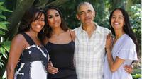 Michelle Obama, Barack Obama dan kedua anak mereka, Sasha dan Malia. (dok.Instagram @michelleobama/https://www.instagram.com/p/B5YrxQQABk6/Henry)
