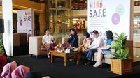 Panel Diskusi dengan Anne Avantie, Kementrian Sosial, SOS Childern Vilage, Komisi Perlindungan Anak, Mal Taman Anggrek & RRI.