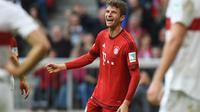 Chelsea tertarik mendatangkan penyerang Bayern Munchen, Thomas Muller, pada bursa transfer Januari 2016. Upaya tersebut dilakukan untuk mempertajam lini depan The Blues. (AFP/ CHRISTOF STACHE)