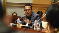 Anggota Komisi I DPR RI Junico BP Siahaan mempertanyakan upaya pemerintah dan operator-operator telekomunikasi dalam menjaga data pribadi masyarakat.