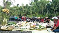 Sejak 2010, pengunjung Merapi bisa menjelajah gunung itu dengan menggunakan jeep. (Liputan6.com/Yanuar H)