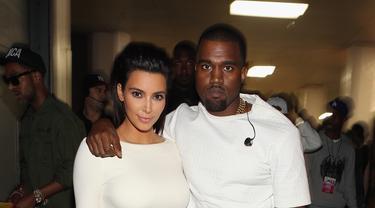 [Bintang] Kim Kardashian dan Kanye West