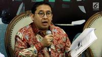 """Anggota MPR Fraksi Gerindra, Fadli Zon saat menjadi narasumber diskusi Empat Pilar MPR di Jakarta, Jumat (5/10). Diskusi itu mengambil tema """"Ancaman Hoax dan Keutuhan NKRI"""". (Liputan6.com/JohanTallo)"""