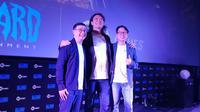 Axton Salim (Salim Group) - Paul Chen, Managing Director Blizzard Entertainment - CEO AKG Games, Adrian LimLim. (Liputan6.com/ Andina Librianty)
