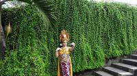 Berikut keseruan pramugari rombongan Raja Arab saat menikmati spa dan mengenakan busana tradisional Bali.