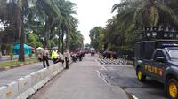 Suasana di depan gedung Kementan saat sidang Ahok
