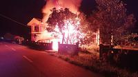 Kios bensin dan minyak tanha yang dilalap api di Kabupaten Kepulauan Talaud, Sulut.