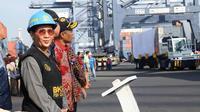 Menteri Kelautan dan Perikanan Susi Pudjiastuti didampingi Dirjen Bea dan Cukai Kementerian Keuangan Heru Pambudi, memimpin acara pelepasan Ekspor Raya di Pelabuhan Tanjung Priok, Jakarta pada Jumat (19/7/2019).