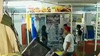 Polisi menangkap 15 remaja yang diduga terlibat penjarahan di Penjaringan.