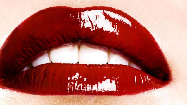 Berikut Cara Paling Efektif Memutihkan Gigi Fashion Beauty