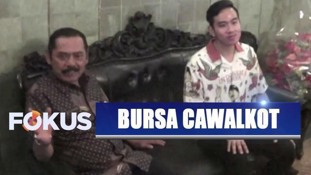 Putra sulung Presiden Jokowi, Gibran Rakabuming Raka temui Wali Kota Solo FX Rudyatmo yang juga ketua DPC PDIP Surakarta.