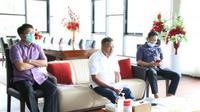 Gubernur Sulut Olly Dondokambey saat menggelar video conference bersama jajaran Forkopimda Sulut.