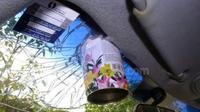 kita sering meninggalkan botol-botol kaleng bertekanan tinggi di dalam mobil, seperti deodorant, pembasmi seranga, pewangi ruangan