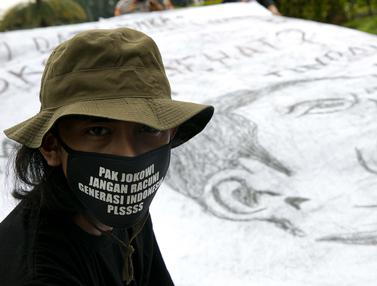 FOTO: Aksi Tolak Penghapusan Limbah Berbahaya dan Beracun